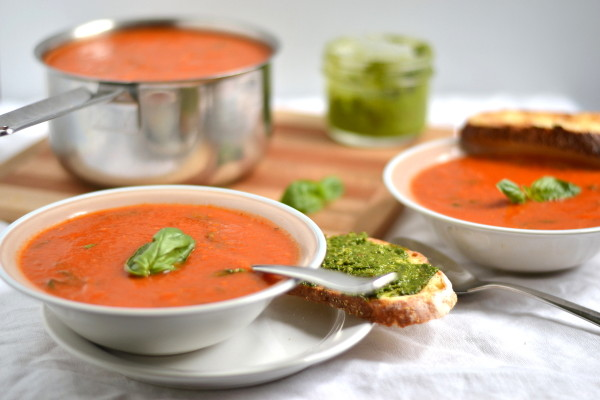 Roasted Tomato and Garlic Soup Image