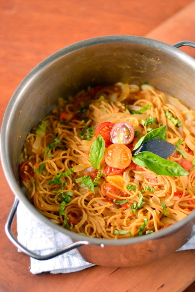 1 Pot Whole Wheat Pasta with Cherry Tomatoes Image