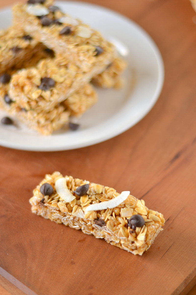 chocolate chip coconut no-bake granola bars
