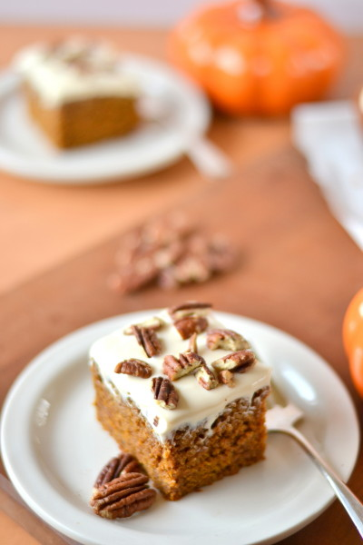 pumpkin-spice-cake-with-greek-yogurt-cream-cheese-frosting-3