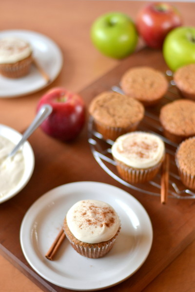 whole-wheat-applesauce-cupcakes-2