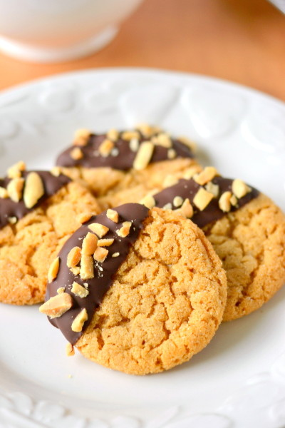 chocolate-dipped-flourless-peanut-butter-cookies-1
