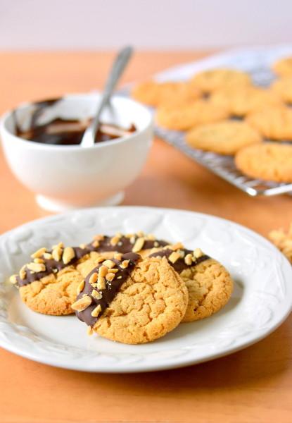 chocolate-dipped-flourless-peanut-butter-cookies-2