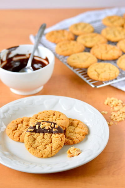 chocolate-dipped-flourless-peanut-butter-cookies-9