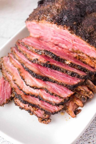 smoked corned beef sliced