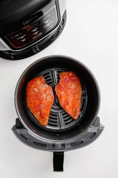 2 frozen chicken breast in air fryer basket
